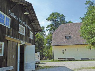 Schloss Ebnet Alte Reithalle