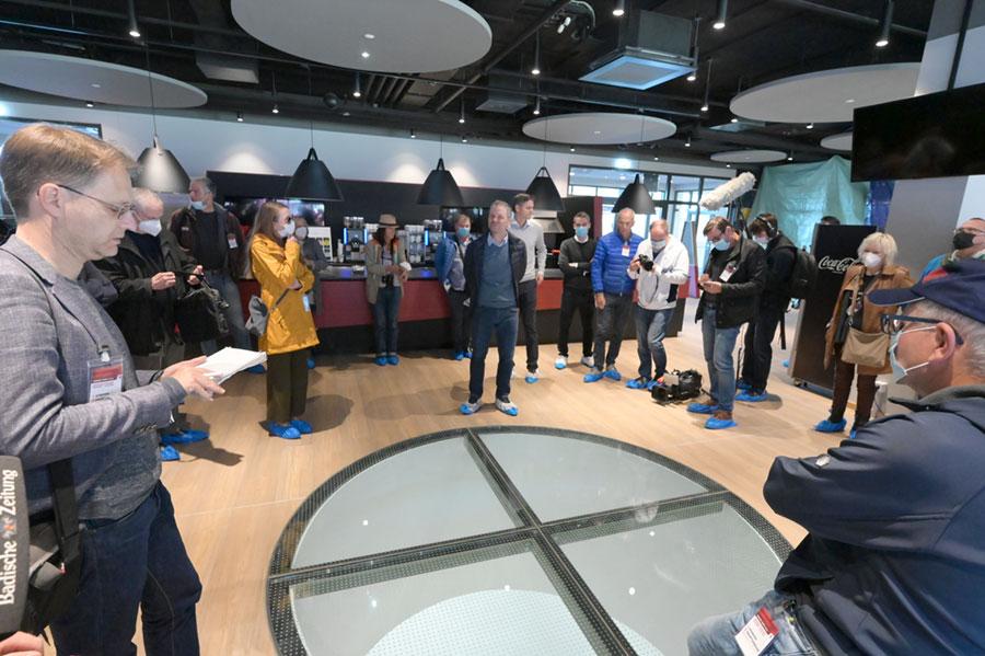 Der Presserundgang führte auch in die VIP Räume